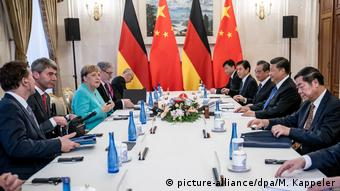 Bundeskanzlerin Merkel in China (picture-alliance/dpa/M. Kappeler)