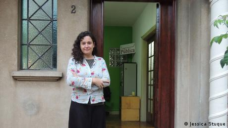 Natalia Viana in front of Agencia Publica's premises