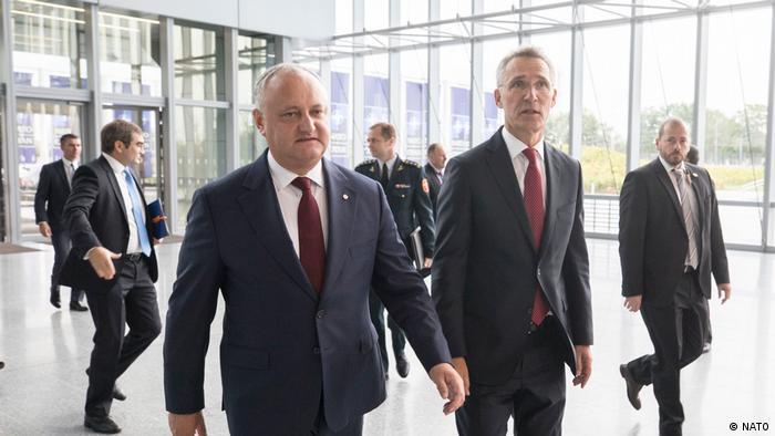 Igor Dodon și secretarul general al NATO Jens Stoltenberg la Bruxelles