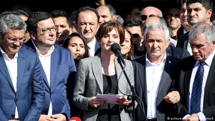 Türkei Istanbul | Canan Kaftancioglu hält Ansprache nachdem Sie zu einer Haftstrafe verurteilt wurde