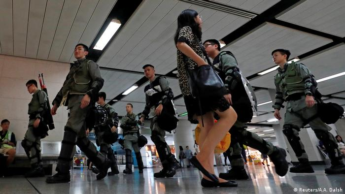 Hong Kong police in MTR-Station