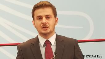 Albanien Genti Cakaj Minister für Europa und Außenpolitik (DW/Ani Ruci)