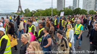 Σχεδιάζουν νέες διαδηλώσεις στο Παρίσι τα κίτρινα γιλέκα.