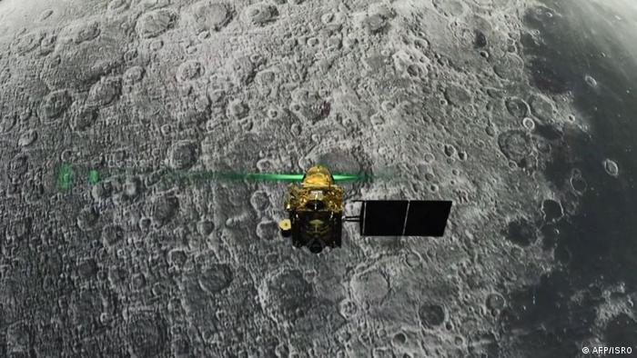 Indien Illustration Isro Raumfahrtprogramm Vikram Lander vor Mond (AFP/ISRO)