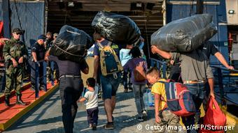 Европа продължава да посреща бежанци