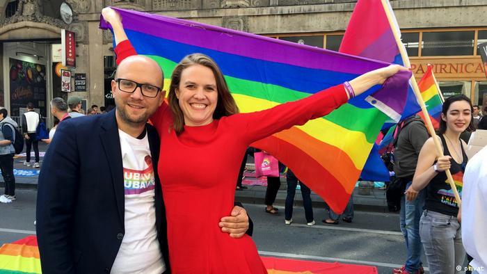 Terry Reintke (desno) sa Manuelom Sarrazinom na sarajevskom Prideu 2019.