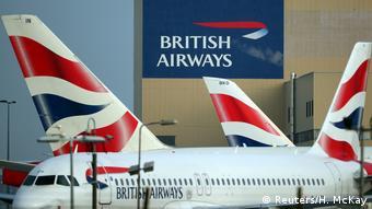 London Heathrow Airport British Airways Flugzeug