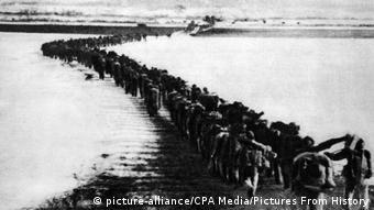 1950: Exército chinês em apoio ao lado norte-coreano