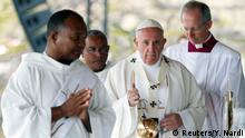 Mauritius Papst Franziskus hält Freiluftmesse
