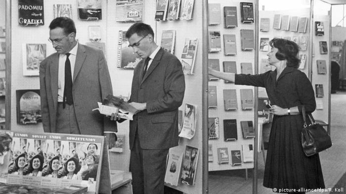 Frankfurter Buchmesse 1964 (picture-alliance/dpa/R. Koll)