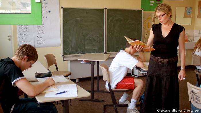 Spada w Niemczech szacunek dla zawodu nauczycielskiego