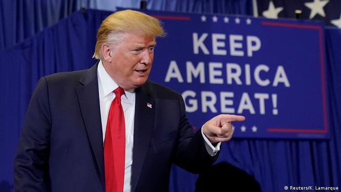الرئيس دونالد ترامب في حملة دعاية لنفسه.