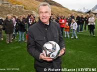 Como entrenador de la selección nacional de Suiza, Ottmar Hitzfeld condujo a la nación europea hasta el Mundial de Sudáfrica.