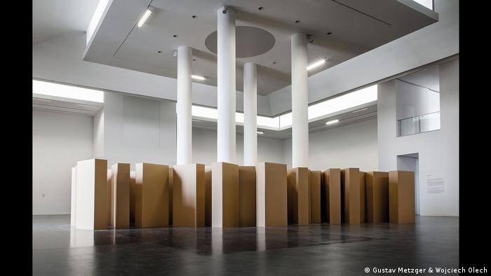 "Gustav Metzger, ""In Memoriam"", 2005 (Gustav Metzger & Wojciech Olech)"