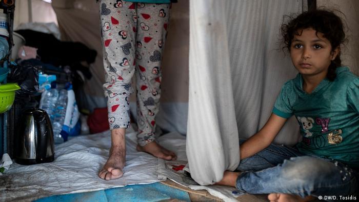 Copii pe insula Lesbos