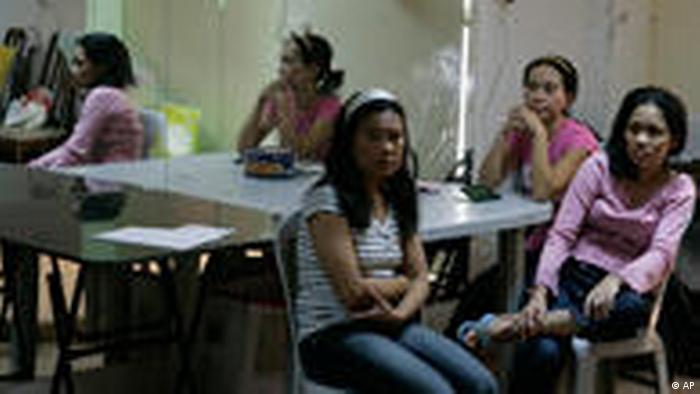 Philippinische Arbeitsmigrantinnen Philippinen Naher Osten (AP)
