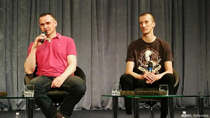 Перша пресконференція Олега Сенцова та Олександра Кольченка після повернення на батьківщину