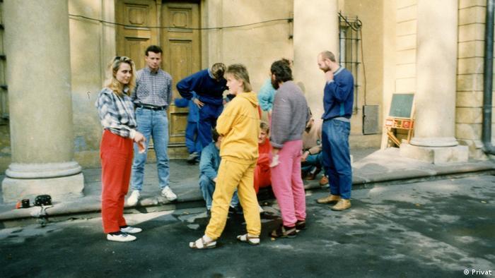 Cornelia Klammt (l.) z innymi uciekinierami z NRD w seminarium duchownym w Tarchominie