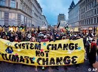 Manifestantes durante la cumbre de Copenhague.