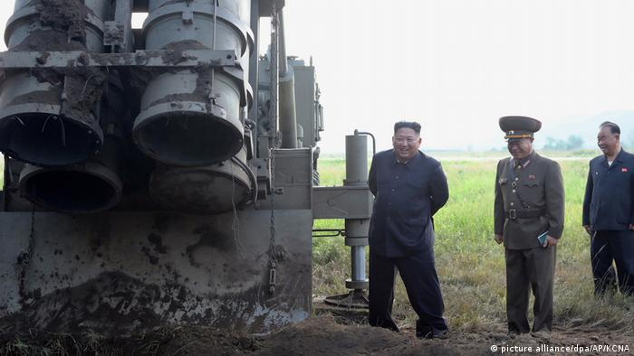 Nordkorea - Nach dem Waffentest (picture alliance/dpa/AP/KCNA)