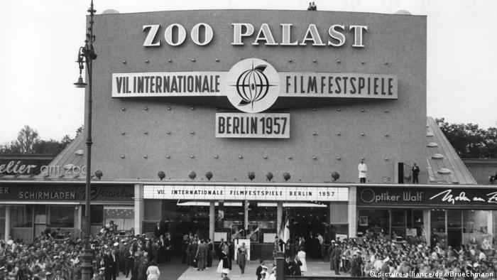 The opening of the Zoo Palast in 1957 (picture-alliance/dpa/Bruechmann)
