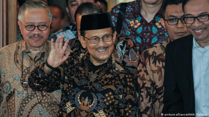 Ehamaliger Indonesischer Präsident | Bacharuddin Jusuf Habibie (picture-alliance/AA/A. Raharjo)