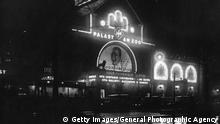 circa 1929: An exterior view of the 'Palast Au Zoo', one of Berlin's largest cinemas. (Photo by General Photographic Agency/Getty Images)