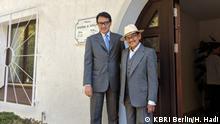 Berlin   Indonesischer Botschafter Havas Oegroseno mit dem ehemaligen indonesischen Präsidenten Bacharuddin Jusuf Habibie