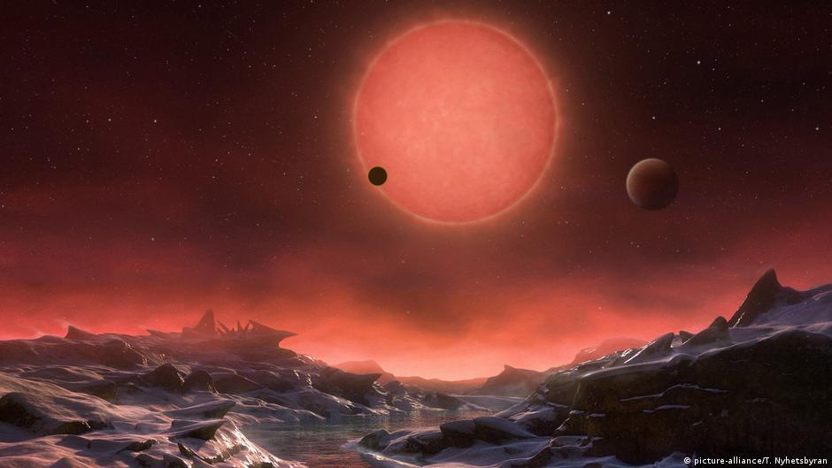 Avuj ujrash   U zbulua planeti me jetë