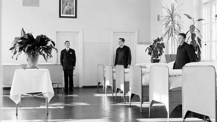 Jeszcze jesienią 1940 roku zakład w Kobierzynie liczył około 1050 pacjentów.