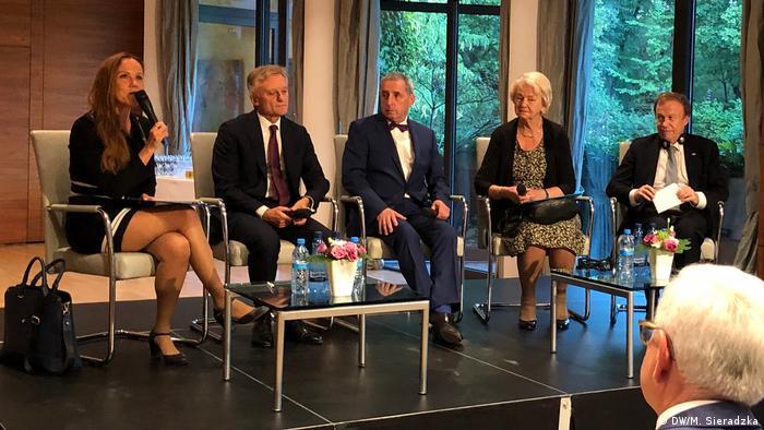 Debata nt. uchodźców z NRD w ambasadzie Niemiec 12.09.2019, od lewej: Agnieszka Łada, Marek Prawda, Wolfgang Templin, Izabela Gutfeter, ambasador RFN Rolf Nickel