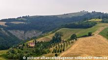 Italien, Emilia Romagna, appennines um Modena, Italy, appennines around Modena | Verwendung weltweit, Keine Weitergabe an Wiederverkäufer.