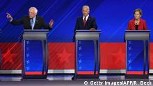 AUSSCHNITT *** 12.09.2019 Democratic presidential hopeful Vermont Senator Bernie Sanders (2ndR) speaks flanked by (fromL) Mayor of South Bend, Indiana, Pete Buttigieg, former Vice President Joe Biden and Massachusetts Senator Elizabeth Warren during the third Democratic primary debate of the 2020 presidential campaign season hosted by ABC News in partnership with Univision at Texas Southern University in Houston, Texas on September 12, 2019. (Photo by Robyn BECK / AFP) (Photo credit should read ROBYN BECK/AFP/Getty Images)