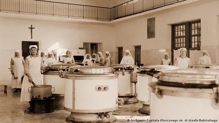 Kuchnia w zakładzie w Kobierzynie: codziennie zaglądał do niej dyrektor Kroll