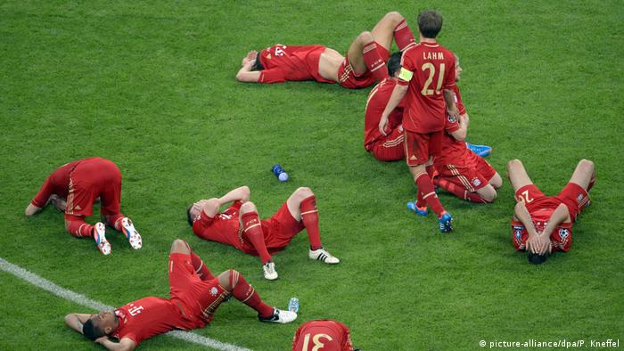 Bayern are favorites in their own stadium against Chelsea. Thomas Müller looks to have won it all with five minutes to go, but then Didier Drogba powered in a header to equalize. Arjen Robben missed a penalty in extra time and in the shootout, Olic and Schweinsteiger both missed. The home finale turned into another traumatic moment for Bayern.
