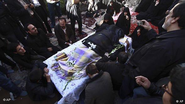 مراسم خاکسپاری آیت الله حسینعلی منتظری در قم