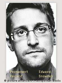 Buchcover Permanent Record von Edward Snowden (picture-alliance/AP/Metropolitan Books)
