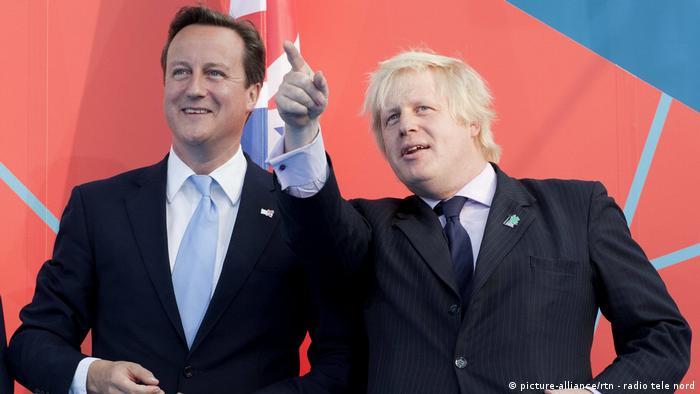 David Cameron dann Bürgermeister Boris Johnson bei der Vorschau auf die Olympischen Spiele 2012 in London