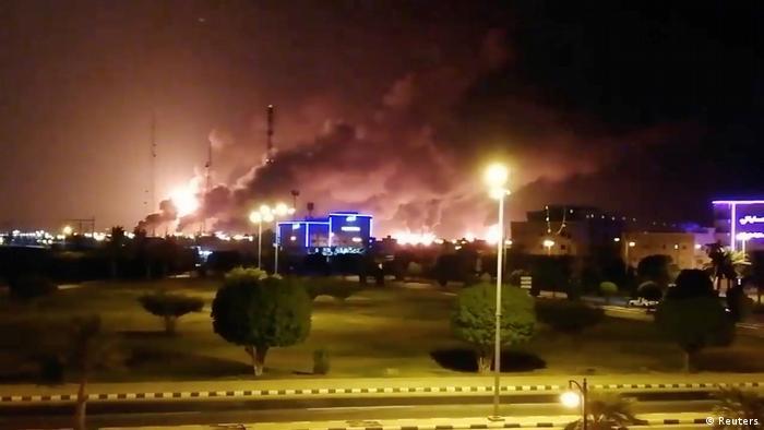 Saudi-Arabien Feuer in der Aramco-Ölaufbereitungsanlage in Abkaik