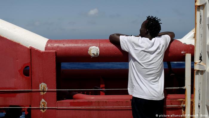 Migrante a bordo do Ocean Viking