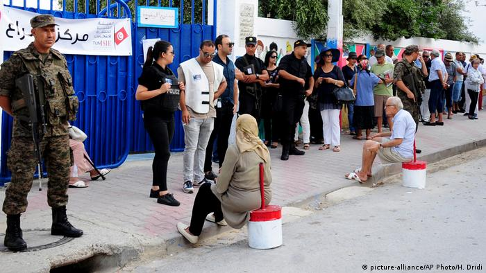 Queue at polling station in Tunisia