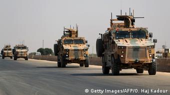 ارتش ترکیهنیروها و تاسیسات نظامی خود را در امتداد مرزهای کشورش با سوریه مستقر کرده است