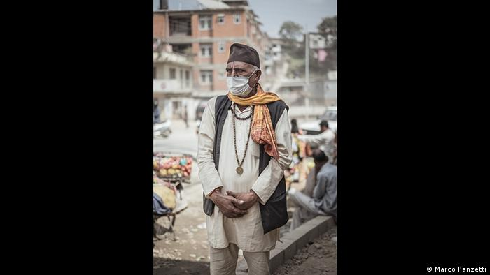 Man wearing facemask against air pollution in Kathmandu, Nepal