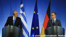 BERLIN, GERMANY - SEPTEMBER 16: Foreign Minister of Greece Nikos Dendias (L) and Foreign Minister of Germany Heiko Maas (R) hold a joint press conference following their meeting in Berlin, Germany on September 16, 2019. Abdulhamid Hosbas / Anadolu Agency | Keine Weitergabe an Wiederverkäufer.
