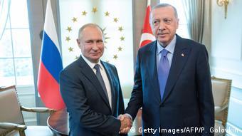 Σε αναζήτηση εταίρων εκτός ΕΕ ο Ερντογάν έπεσε στις αγκάλες του Πούτιν