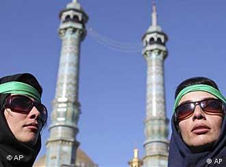 آیا جنبش اعتراضی در ایران وارد مرحله تازهای شده است؟