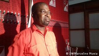 Mosambik Zambézia Sábado Chambe spricht über Manuel Araújo (DW/Marcelino Mueia)