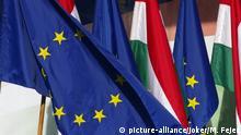 Budapest Europaflagge und ungarische Nationalfahne