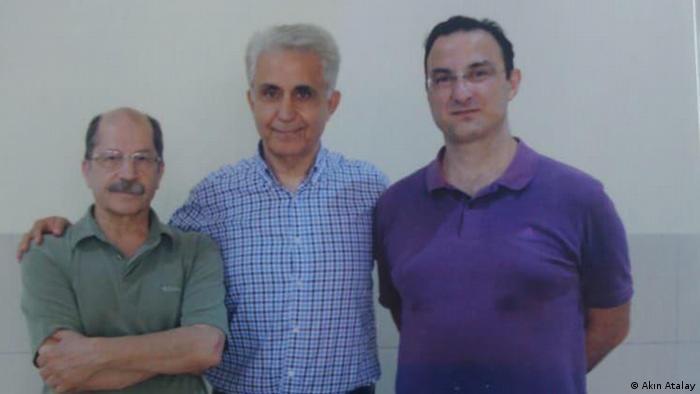 Cumhuriyet davasında tahliye edilen Güray Öz ve Musa Kart ile hâlâ cezaevinde bulunan Emre İper