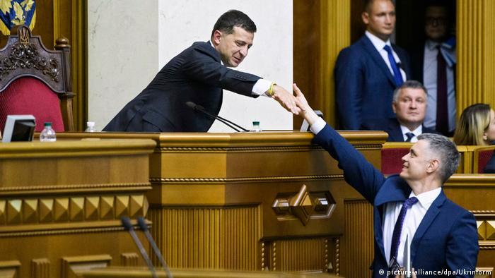 Президент Украины Владимир Зеленский и глава МИД страны Вадим Пристайко (фото из архива)